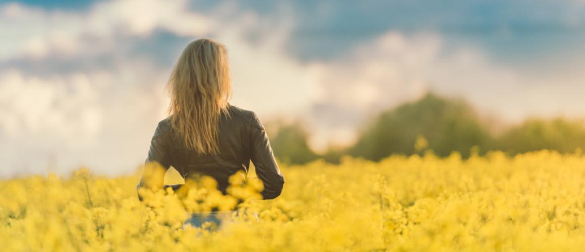 woman_yellow